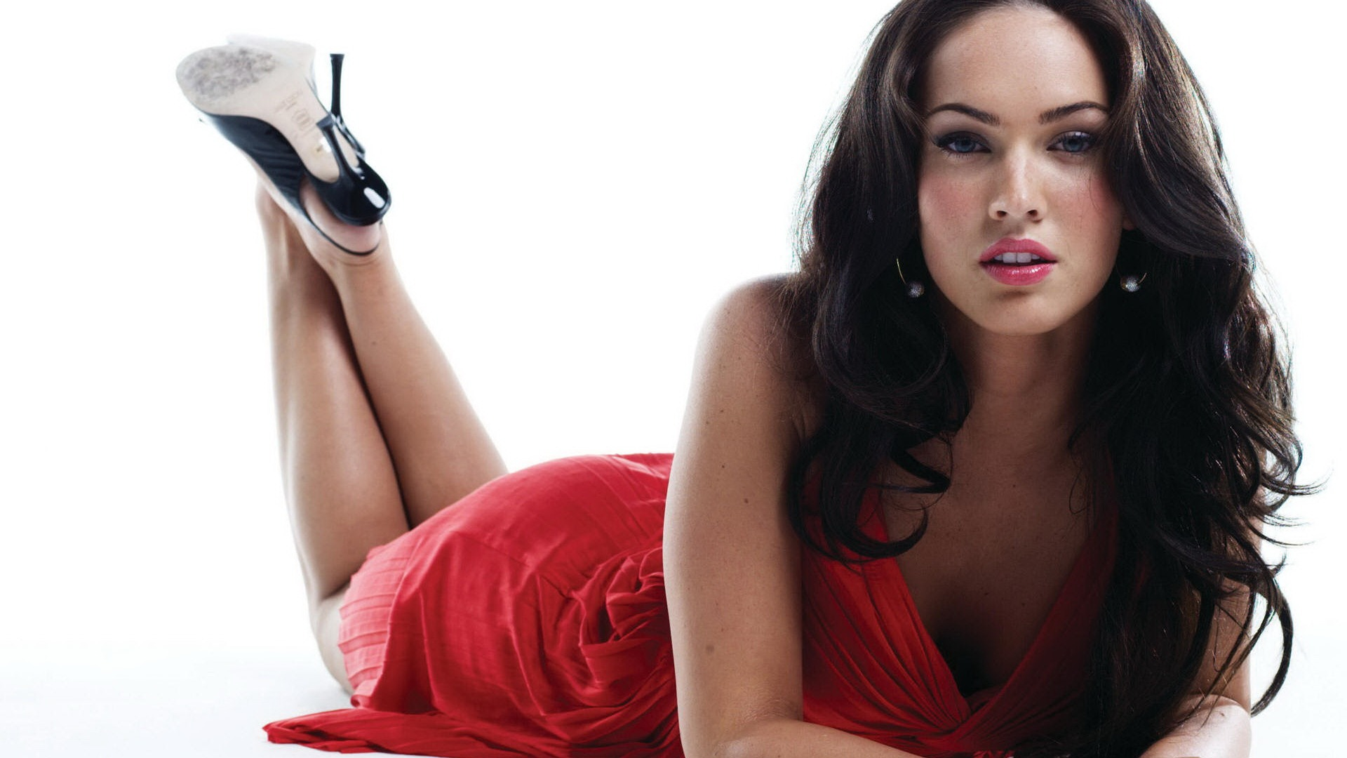 Megan Fox reveals her post। pregnancy battle has been very awful