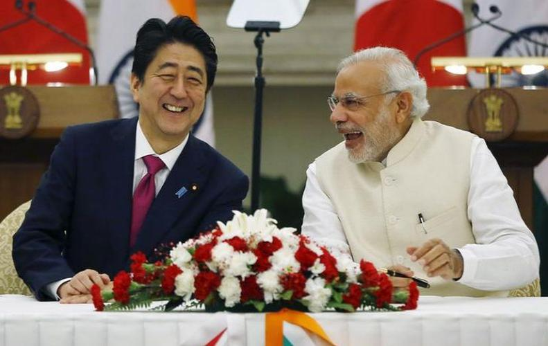 Abe will be on the airport with the Guard of Honor, Modi will show a roadshow of 8 KM