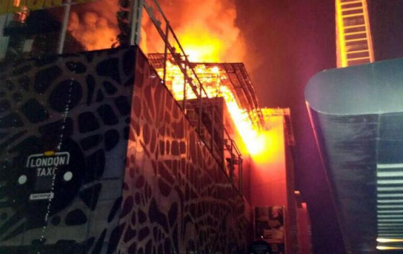 Kamala Mills Mumbai a refurbished Industrial Compound catches fire leaving 15 burnt alive and around