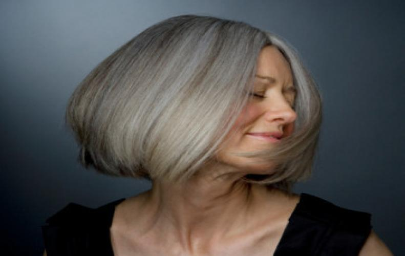 MOST POPULAR & TRENDY HAIRCUTS FOR WOMEN OVER 50