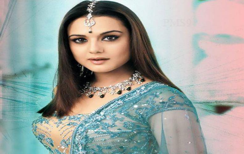 Preity Zinta's Birthday: Naturally Dimpled actress of Bollywood adds more a year to her beautiful life.