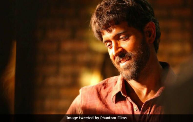 Hrithik Roshan fits perfectly on the on screen Character of Anand Kumar, Founder of Super 30 academy.