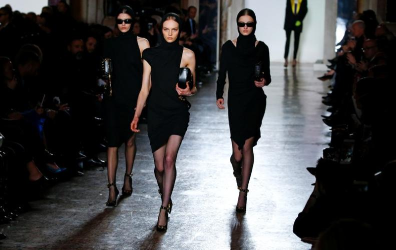 Donatella Versace explodes Milan Fashion Week with College Class Fashion