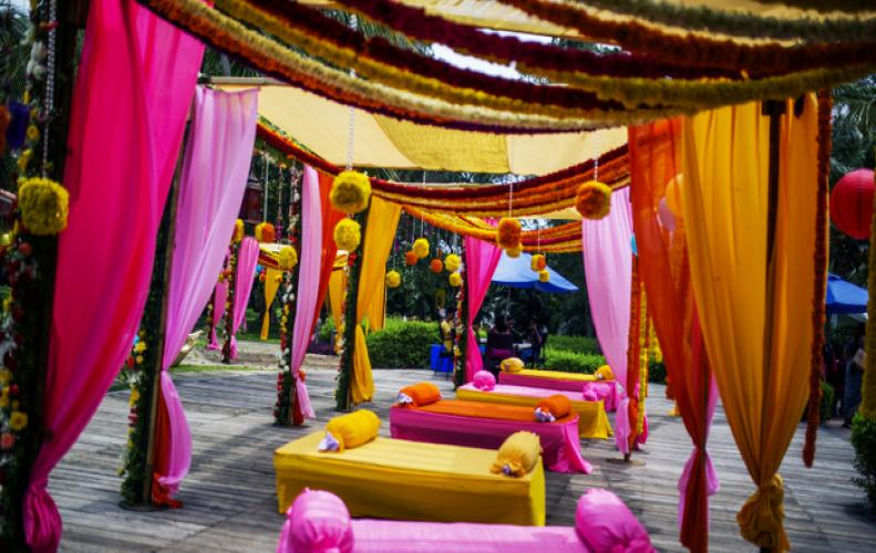 MOST ROMANTIC WAY TO ENJOY YOUR ANNIVERSARY IN INDIA