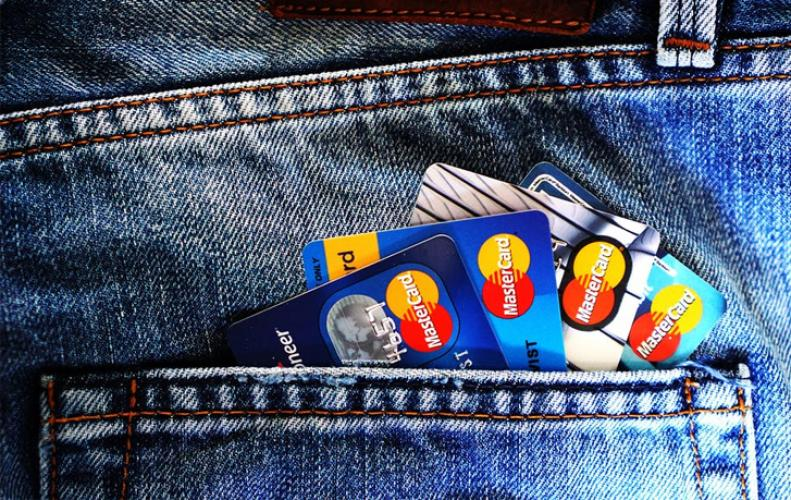 Plastic Money A New Way to Shop but Is Your Card Secure Enough???