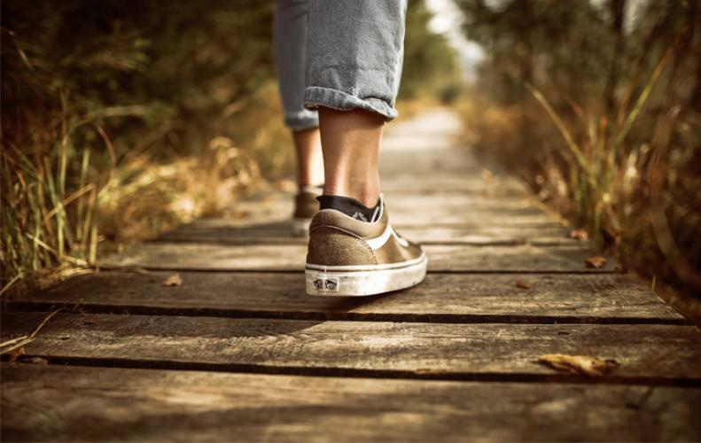 Benefit of walking 1 hour a day, Walk Wall Walk to stay healthy