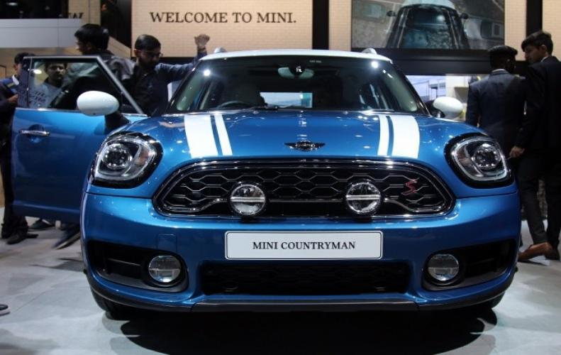 Mini Countryman will be launched on May 3, 2018. Its Price in India, features, Pics, Specs, Review & Mileage