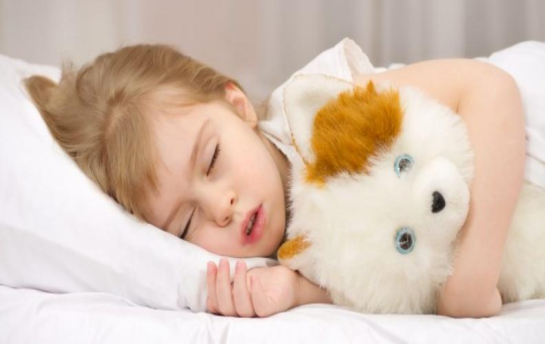 Appropriate sleeping hours recommended for Kids. A guide for kids sleeping hours.