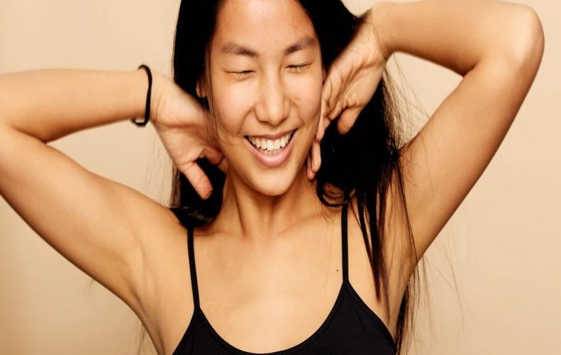 7 Natural Tricks to Clean Dark Underarms