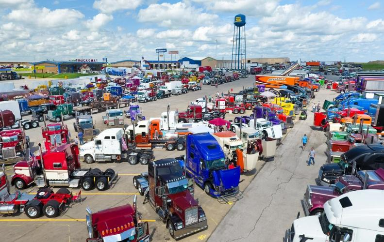 Top Points Related to the Biggest Truck Stop in the World