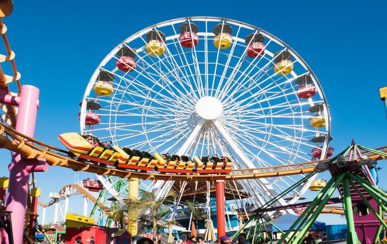 Enjoy Your Weekend at These Biggest Amusement Parks in the U...
