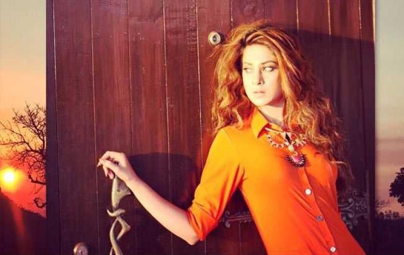 माया का खूबसूरत स्टनिंग अंदाज और जेनिफर विंगेट का फोटोशूट हुआ वायरल