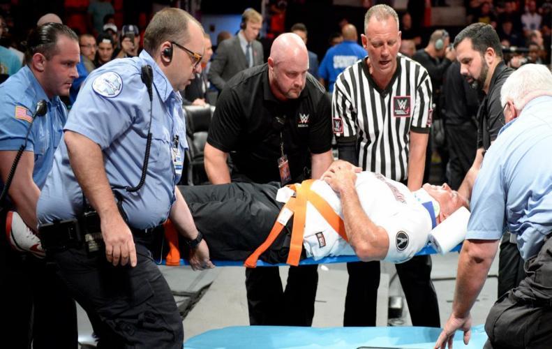 WWE : शेन मैकमैहन की हैल इन ए सैल मैच में आयी चोट की अपडेट