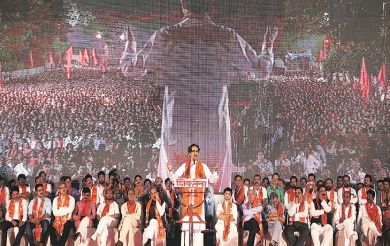 कांग्रेस को राहुल गाँधी में लीडर दिख रहा है : शिवसेना