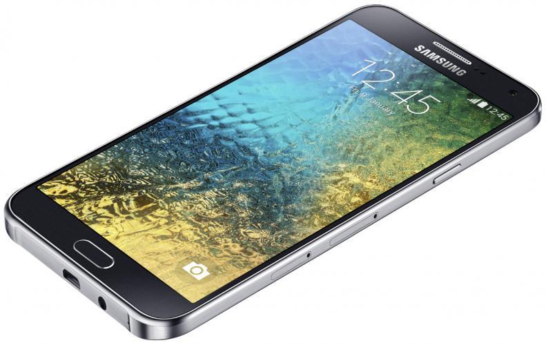 इन फ़ोनस पर खुल रही डिस्काउंट की पोटली 22 हजार का फोन सिर्फ 2600 में