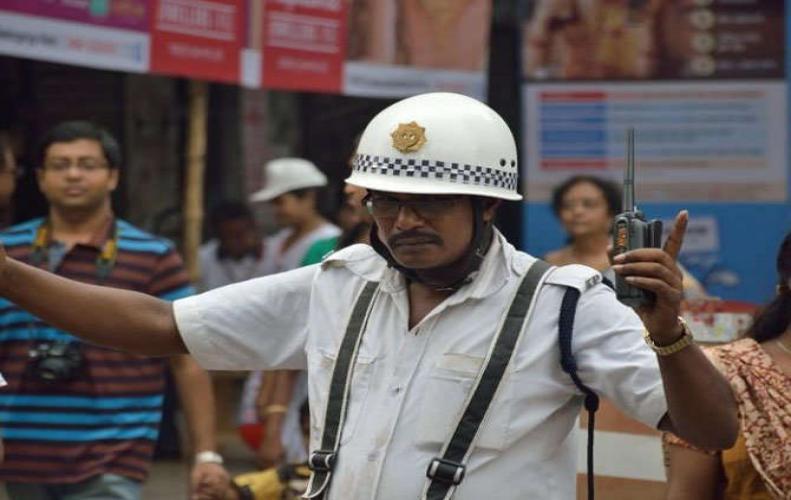 कोलकाता पुलिस आज भी क्यों पहनती है सफ़ेद पोशाक, आखिर क्या है इसका कारण