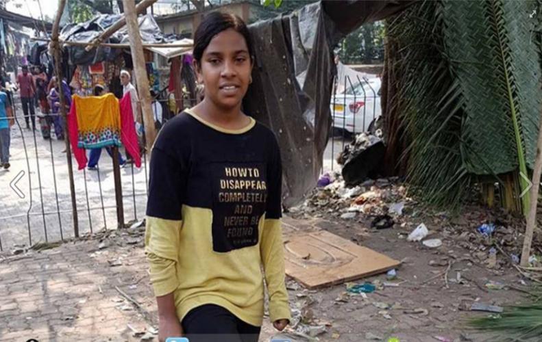 इस लड़की के हौसलों को नहीं रोक पायी फुटपात की बाधा प्रधानमंत्री द्वारा हो चुकी हैं सम्मानित।