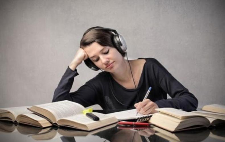 संगीत सुनने से बढ़ती है याददाश्त और होते है टेंशन फ्री जानिए कैसे