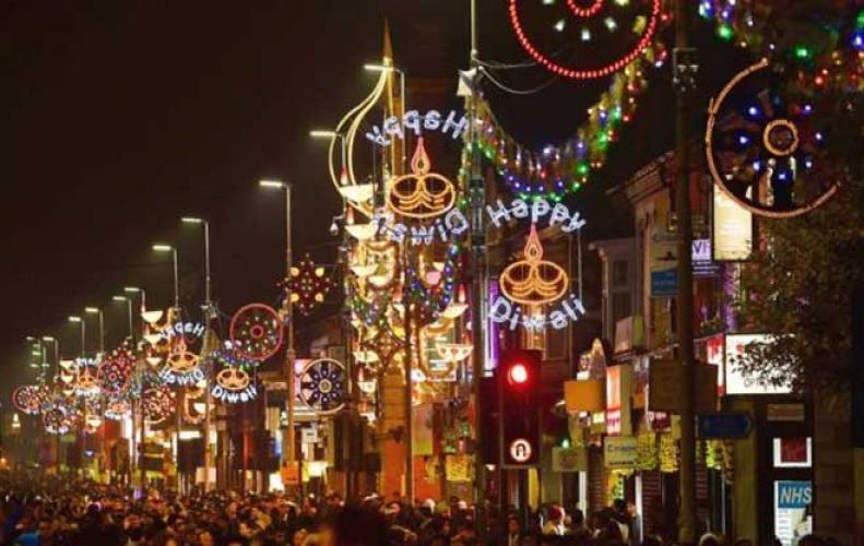 विदेशो में भी मनाई जाती है, दीपावली पर उनकी मान्यता है अलग