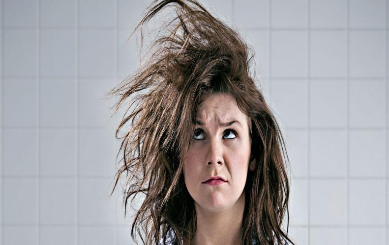 जाने महिलाओं को बालों के झड़ने की समस्या क्यों हो जाती है