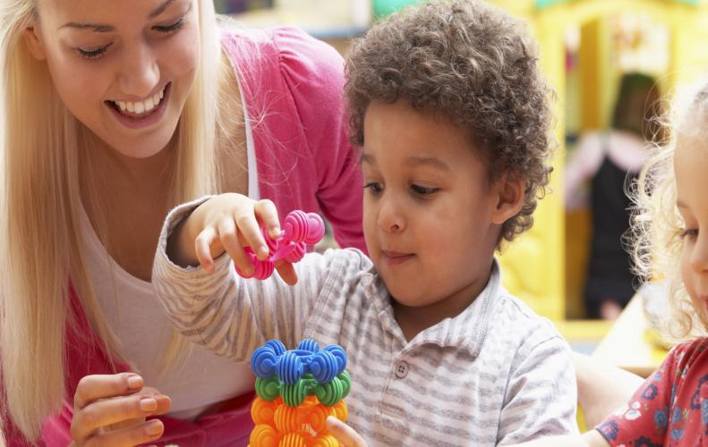 बचपन में बच्चो की करे ऐसे परवरिश ताकि बने विनम्र