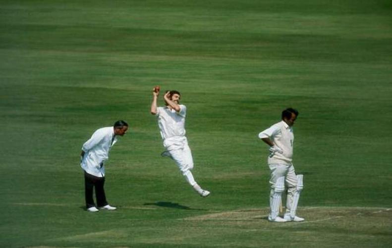 क्रिकेट के मैदान पर हुई थी एक ऐसी यादगार घटना, मच गया था बड़ा बवाल....