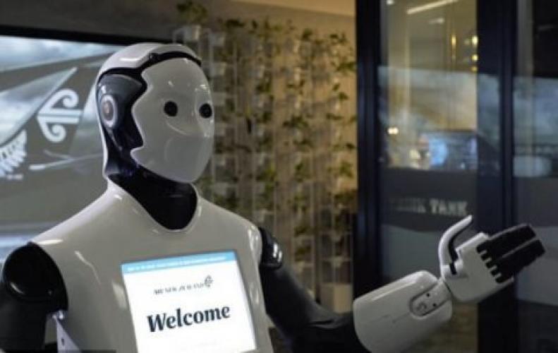 ये है कमाल के रोबोट, जो करते हैं इलाज और लड़ते हैं चुनाव