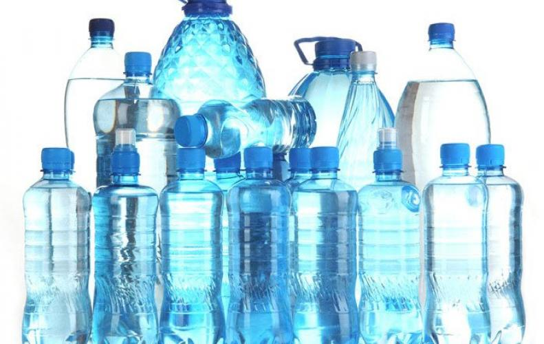 पानी की बोतल पर MRP से ज्यादा महत्वपूर्ण है उसका कोड, पीने से पहले ऐसे चेक कर लें
