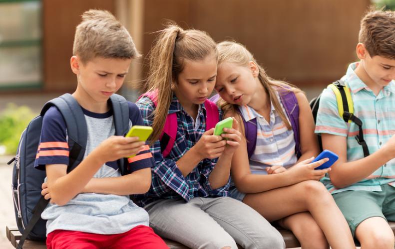 'Scientists का नया रिसर्च, 'Technology' अब नहीं हैं बच्चो पर बोझ'
