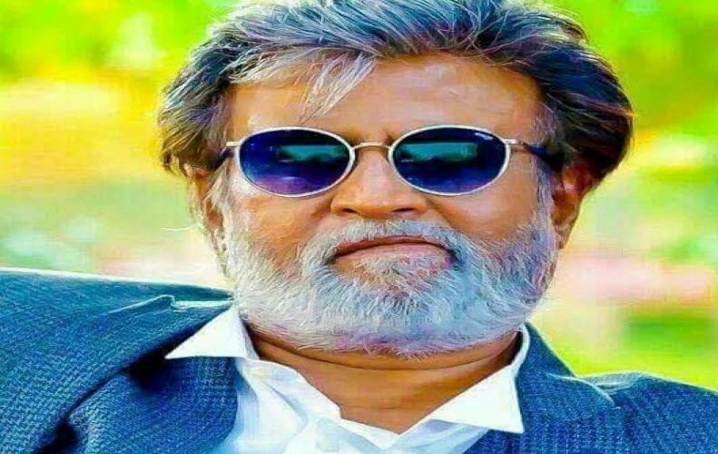 67 वर्षीय सुपरस्टार रजनीकांत इस राज्य की राजनीति में कूदने वाले नये सितारे