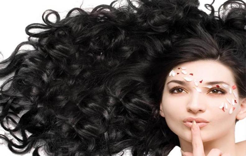 बालो से जानिए लड़की रोमांटिक है या नहीं