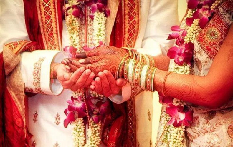 जानिए कैसी पत्नियां बनाती है पति को भाग्यशाली
