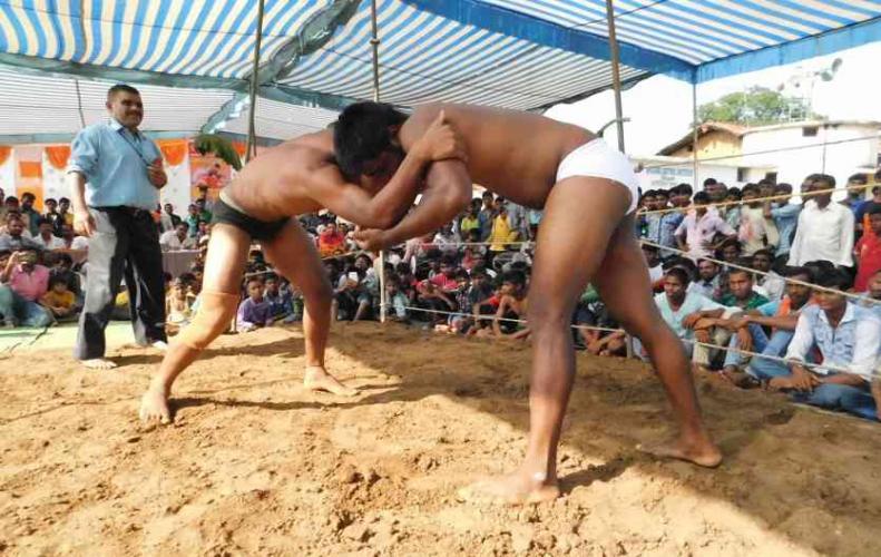 2 दिवसीय दंगल प्रतियोगिता में पहलवान ने गाजीपुर के योगेंद्र को दे दी पटखनी