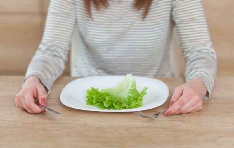 इस तरह खाना खाने से आपको बहुत से फायदे और नुकसान हो सकते है...