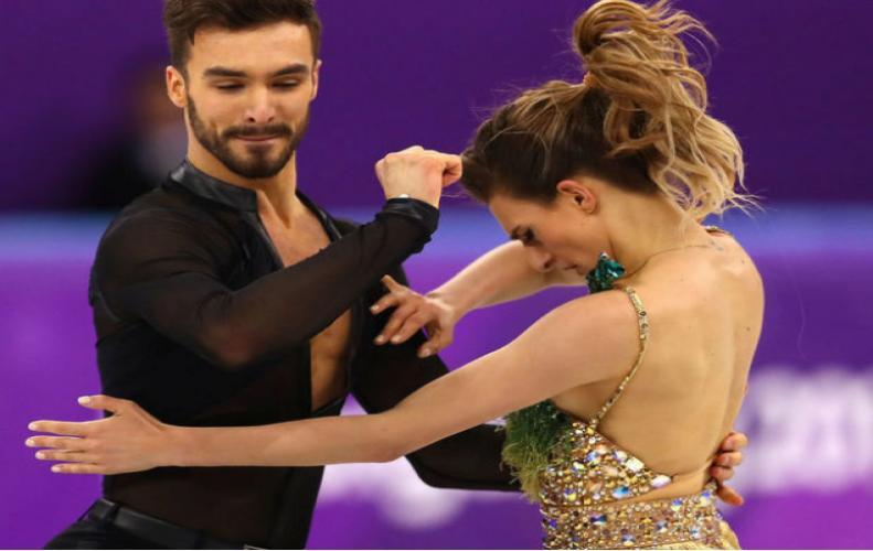 आइस डांस करते हुए डांसर गैब्रिएला की ड्रेस का टूटा फीता, करना पड़ा शर्मिंदगी का सामना