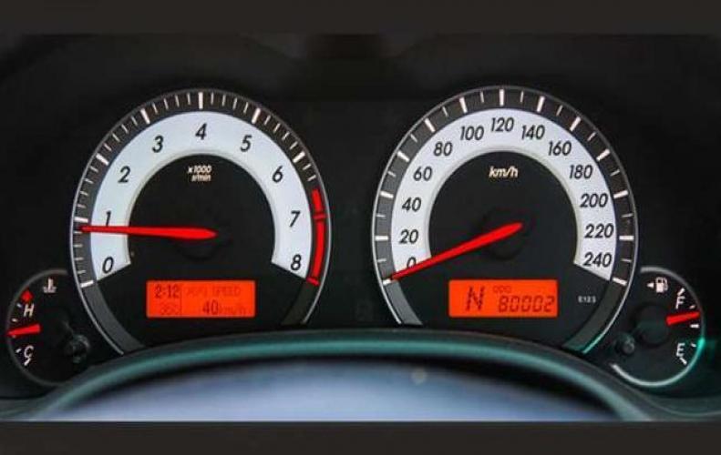 इन तरीकों को अपनाकर बढ़ा सकते है अपनी कार का माइलेज, महंगे पेट्रोल-डीजल की मार से मिलेगी राहत...