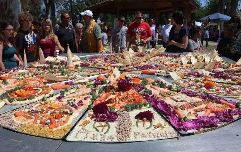 ये ऐसे मशहूर फूड फेस्टिवल्स, जिन्हें देखने के लिए आते हैं दुनिया भर से लाखों टूरिस्ट ...