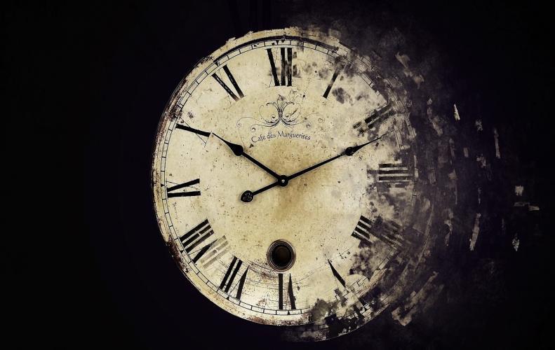 क्यों घूमती है घड़ी की सुइयां पीछे छुपा है ये अजीब राज | Mystery Clock Roam History