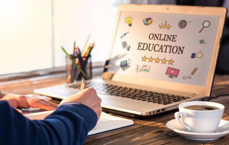 ऑनलाइन ट्यूटर की नौकरी प्रदान करने वाली शीर्ष वेबसाइट्स | Sites That Provide Online Tutor Jobs